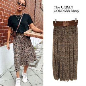 2/$40🌺 Flowy Leopard Long Skirt s/m